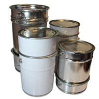 Pails with metal intermediate locking rings